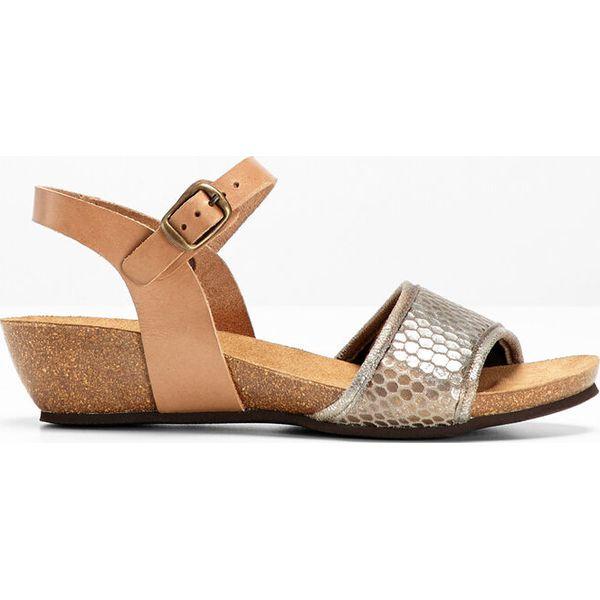 4163f333 Wygodne sandały skórzane bonprix brązowy we wzór skóry węża ...