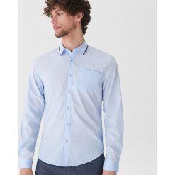 Koszula z ozdobnym detalem - Niebieski. Niebieskie koszule męskie House. Za 69.99 zł.