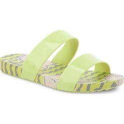Klapki ZAXY - Share Thong Ad 17363 Green 90064 AA285091 02064. Żółte klapki damskie Zaxy, z materiału. W wyprzedaży za 109.00 zł.