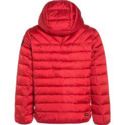 Napapijri AERONS 1 Kurtka zimowa sparkling red. Kurtki i płaszcze dla chłopców Napapijri, na zimę, z materiału. W wyprzedaży za 551.20 zł.