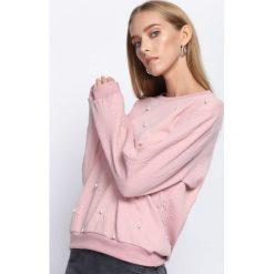 Różowa Bluza One Pearl. Czerwone bluzy damskie Born2be, na jesień. Za 44.99 zł.