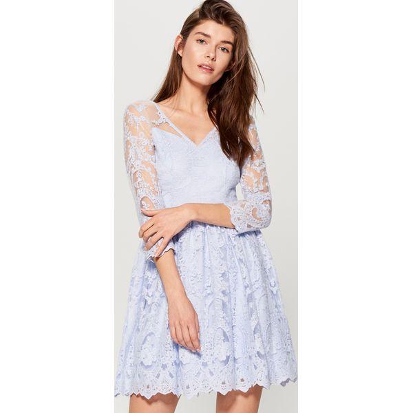581ee440 Koronkowa sukienka z dekoltem na plecach - Niebieski