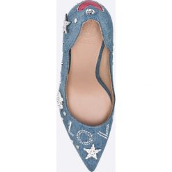Guess Jeans - Szpilki. Szare szpilki damskie Guess Jeans, z jeansu. W wyprzedaży za 449.90 zł.
