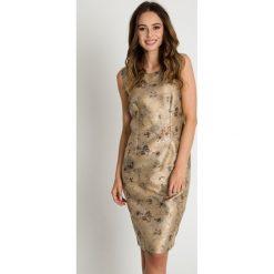 Złota sukienka we wzory BIALCON. Sukienki damskie BIALCON, eleganckie. W wyprzedaży za 89.00 zł.
