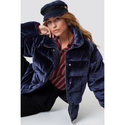 NA-KD Aksamitna kurtka - Blue. Niebieskie kurtki damskie NA-KD, z materiału. Za 404.95 zł.