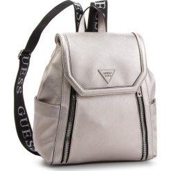 Plecak GUESS - HWVQ71 09320 PEW. Szare plecaki damskie Guess, ze skóry ekologicznej, klasyczne. W wyprzedaży za 419.00 zł.