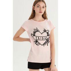 Dwuczęściowa piżama z nadrukiem - Różowy. Czerwone piżamy damskie Sinsay, z nadrukiem. Za 39.99 zł.