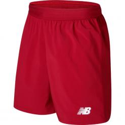 Spodenki Liverpool LFC Home Kit. Czerwone krótkie spodenki sportowe męskie New Balance, z materiału. W wyprzedaży za 99.99 zł.