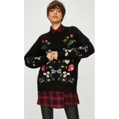 Medicine - Sweter Royal Purple. Fioletowe swetry damskie MEDICINE, z dzianiny, z okrągłym kołnierzem. Za 159.90 zł.