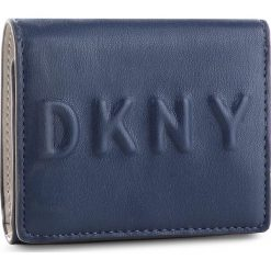Mały Portfel Damski DKNY - Tilly Trifold Wallet R741V100 Navy NVY. Niebieskie portfele damskie DKNY, ze skóry ekologicznej. Za 339.00 zł.
