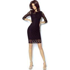 Czarna Sukienka z Szyfonową Wstawką na Rękawach. Czarne sukienki damskie Molly.pl, w koronkowe wzory, z koronki, eleganckie, z dekoltem na plecach. Za 229.90 zł.