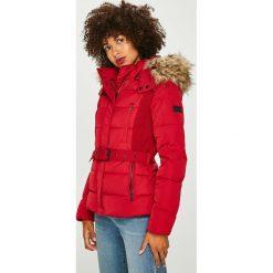 Pepe Jeans - Kurtka puchowa Olivia. Czerwone kurtki damskie Pepe Jeans, w paski, z jeansu. Za 759.90 zł.