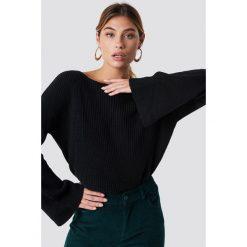 NA-KD Krótki sweter z dzianiny z długim rękawem - Black. Czarne swetry damskie NA-KD, z dzianiny. Za 121.95 zł.