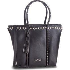 Torebka NOBO - NBAG-F1260-C020 Czarny. Czarne torebki do ręki damskie Nobo, ze skóry ekologicznej. W wyprzedaży za 169.00 zł.