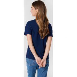 Levi's Koszulka Perfect - Blue. Niebieskie t-shirty damskie Levi's, z nadrukiem, z bawełny, z okrągłym kołnierzem. Za 80.95 zł.