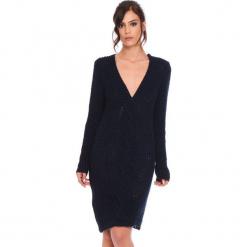 """Sukienka """"Samantha"""" w kolorze granatowym. Niebieskie sukienki damskie Cosy Winter, ze splotem, z długim rękawem. W wyprzedaży za 159.95 zł."""