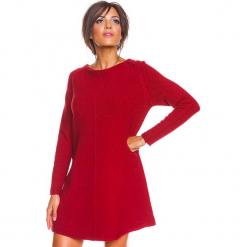 """Sukienka """"Irene"""" w kolorze bordowym. Czerwone sukienki damskie So Cachemire, z kaszmiru, z dekoltem w łódkę. W wyprzedaży za 186.95 zł."""