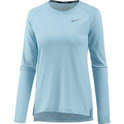 """Koszulka """"Breathe Tailwind"""" w kolorze błękitnym do biegania. T-shirty damskie Nike Women, z okrągłym kołnierzem, z długim rękawem. W wyprzedaży za 117.95 zł."""