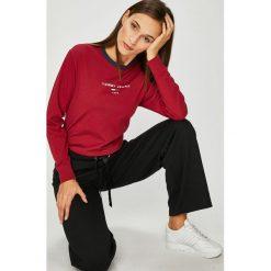 Tommy Jeans - Bluzka. Szare bluzki damskie Tommy Jeans, z bawełny, casualowe, z okrągłym kołnierzem. Za 179.90 zł.