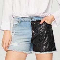 Jeansowe szorty z cekinami - Niebieski. Niebieskie szorty damskie Reserved, z jeansu. W wyprzedaży za 29.99 zł.