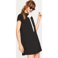 Sukienka z wiązaniem przy szyi - Czarny. Czarne sukienki damskie Reserved. Za 79.99 zł.