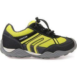 """Sneakersy """"Tawis"""" w kolorze czarno-żółtym. Czarne trampki i tenisówki chłopięce Geox Kids, z gumy. W wyprzedaży za 129.95 zł."""