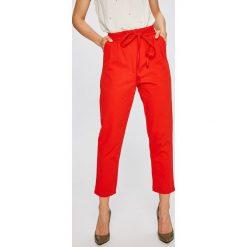 Answear - Spodnie. Szare spodnie materiałowe damskie ANSWEAR, z bawełny. W wyprzedaży za 99.90 zł.
