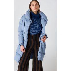 NA-KD Watowana kurtka z szalowym kołnierzem - Blue. Niebieskie kurtki damskie NA-KD, z poliesteru. Za 404.95 zł.
