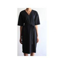 Sukienka CLASSY BLACK. Czarne sukienki damskie True color by ann. Za 399.00 zł.