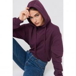 NA-KD Bluza z kapturem ze szwem NA-KD - Purple. Fioletowe bluzy damskie NA-KD, z napisami. W wyprzedaży za 64.78 zł.