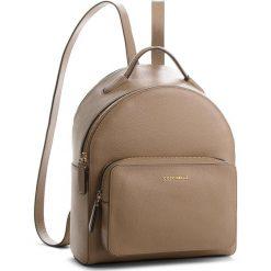 Plecak COCCINELLE - CF8 Clementine Soft E1 CF8 14 01 01 Taupe N75. Brązowe plecaki damskie Coccinelle, ze skóry. W wyprzedaży za 909.00 zł.