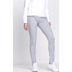 Szare Spodnie Dresowe Along. Szare spodnie dresowe damskie Born2be, z dresówki. Za 34.99 zł.