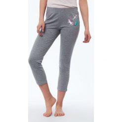 Etam - Spodnie piżamowe Delya. Szare piżamy damskie Etam, z bawełny. Za 89.90 zł.