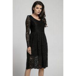 Długa sukienka z koronki na313. Czarne sukienki damskie Pepe, na jesień, w koronkowe wzory, z koronki, eleganckie, z długim rękawem. Za 169.00 zł.