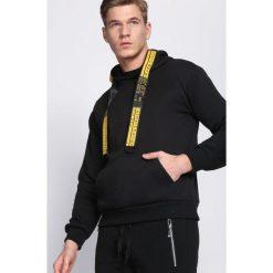 Czarna Bluza Advanced. Czarne bluzy męskie Born2be, na jesień. Za 79.99 zł.