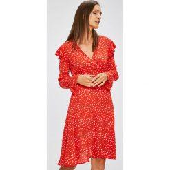 Trendyol - Sukienka. Różowe sukienki damskie Trendyol, z poliesteru, casualowe, z długim rękawem. W wyprzedaży za 119.90 zł.