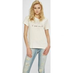 Pepe Jeans - Top Rita. Szare topy damskie Pepe Jeans, z nadrukiem, z bawełny, z okrągłym kołnierzem, z krótkim rękawem. W wyprzedaży za 99.90 zł.