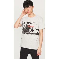 Melanżowy t-shirt z nadrukiem - Jasny szar. T-shirty męskie marki Giacomo Conti. W wyprzedaży za 39.99 zł.