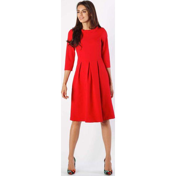 71764533ed Czerwona Rozkloszowana Sukienka z Wywijanym Kołnierzem - Czerwone ...