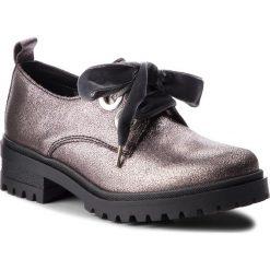Oxfordy TOMMY JEANS - Metallic Cleated Sho EN0EN00378 Steel Grey 039. Półbuty damskie marki Tommy Jeans. W wyprzedaży za 379.00 zł.