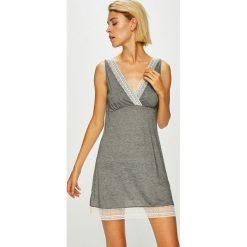Etam - Kombinezon piżamowy Nalia. Szare piżamy damskie Etam, z materiału, z długim rękawem. W wyprzedaży za 99.90 zł.