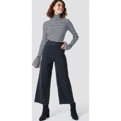 NA-KD Szerokie spodnie z denimu - Grey. Szare spodnie materiałowe damskie NA-KD, z denimu. Za 161.95 zł.