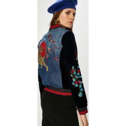 Desigual - Kurtka bomber. Czarne kurtki damskie Desigual, z aplikacjami, z bawełny. W wyprzedaży za 479.90 zł.