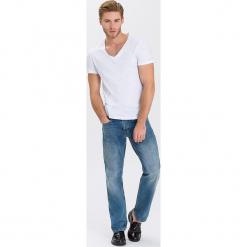 """Dżinsy """"Antonio"""" - Relax Fit - w kolorze błękitnym. Niebieskie jeansy męskie Cross Jeans. W wyprzedaży za 136.95 zł."""