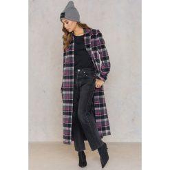 Qontrast X NA-KD Długi płaszcz w kratkę - Black,Pink,Grey. Czarne płaszcze damskie Qontrast X NA-KD, w kratkę. W wyprzedaży za 263.48 zł.