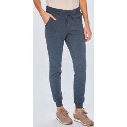 Roxy - Spodnie. Szare spodnie materiałowe damskie Roxy, z bawełny. Za 199.90 zł.