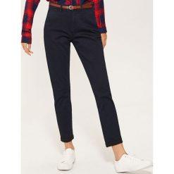 Spodnie typu chino - Granatowy. Niebieskie spodnie materiałowe damskie House. Za 89.99 zł.