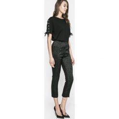 Guess Jeans - Legginsy Mariette. Szare jeansy damskie Guess Jeans, z acetatu. W wyprzedaży za 269.90 zł.