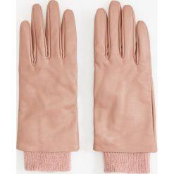 Skórzane rękawiczki - Różowy. Czerwone rękawiczki damskie Reserved. Za 99.99 zł.