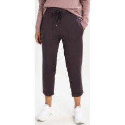 Juvia CROPPED PANT PLAIN Spodnie treningowe plum. Spodnie sportowe damskie Juvia, z dresówki. Za 499.00 zł.